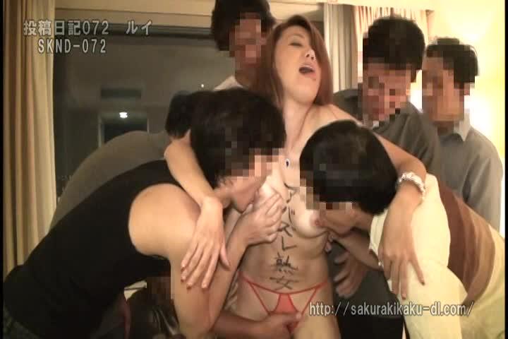 個人撮影 52歳母親(ルイ) 21歳娘と親子丼するアバズレ五十路熟女...